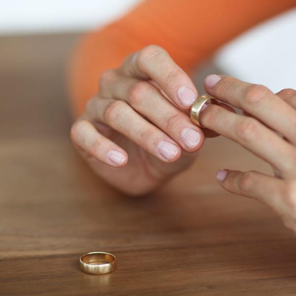 что делать с кольцом после развенчания