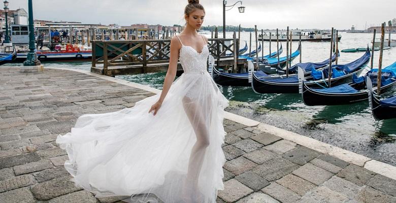 31f6cd432ee Свадебные платья — фото невесты в красивом оригинальном платье на ...