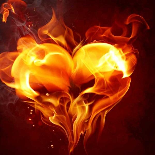 изображение сердца в огне