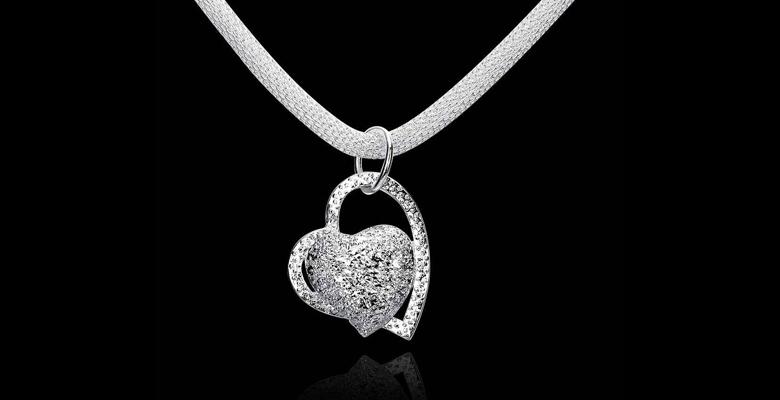 Как выбрать в подарок изделия из серебра