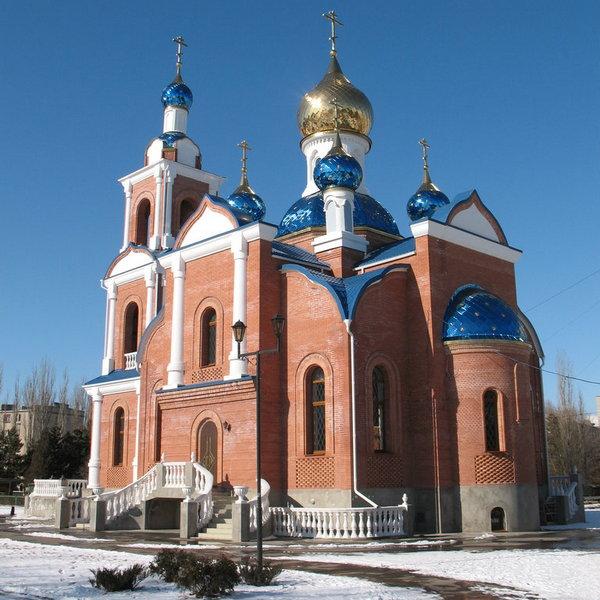 красивый храм в Азове